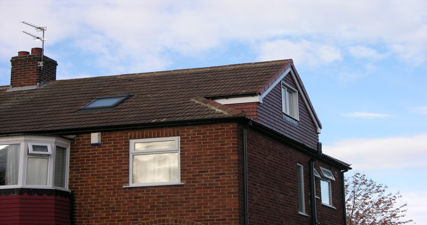 Hip roof loft conversion diy crafts - Hip roof houses attic ...